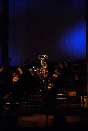 Die Tuba klaut der Piccolo die Melodie.