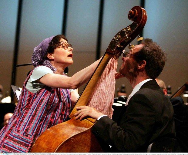 Trude Trumm am Bass - Photo: Karsten Socher